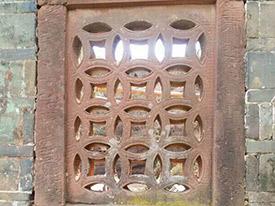 客家围屋红砂岩石窗