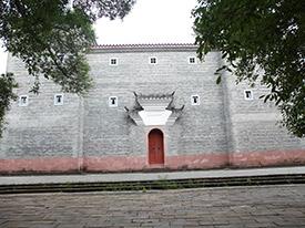 客家城楼红石材砖墙及大门